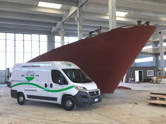 Bonifica e demolizione cantiere navale ex Fashion Yacht - Pisa