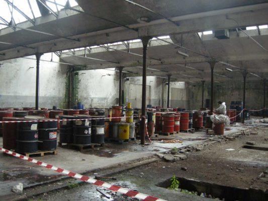 Intervento di rimozione e smaltimento di rifiuti industriali presso ex stabilimento Tintotex - Parabiago - Milano