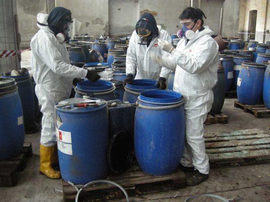 Rimozione e smaltimento di rifiuti chimici pericolosi - bonifica ex stabilimento Tintotex Parabiago - Milano