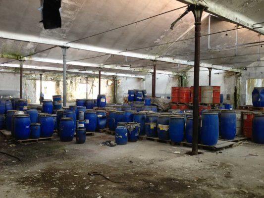 Completamento intervento di rimozione e smaltimento fusti contenenti rifiuti chimici - bonifica stabilimento dismesso ex Tintotex - Parabiago - Milano