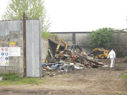 Rimozione e smaltimento di rifiuti vari - discarica in area Milano Figino