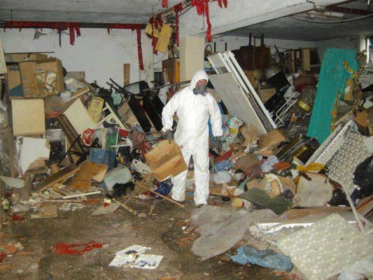 Attività di rimozione di rifiuti vari da accumulo compulsivo seriale - Beinasco - Torino