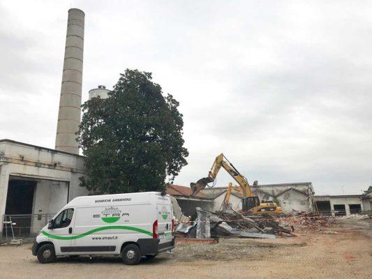 Intervento di bonifica e demolizione fabbricati ex Tintotex - Parabiago - Milano