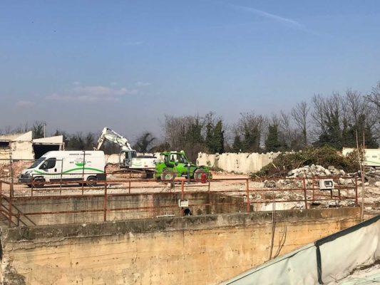 Intervento di bonifica e demolizione fabbricati industriali area ex Tintotex - Parabiago - Milano