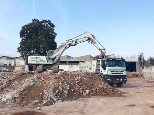 Cantiere di bonifica e demolizione fabbricati industriali area ex Tintotex - Parabiago - Milano
