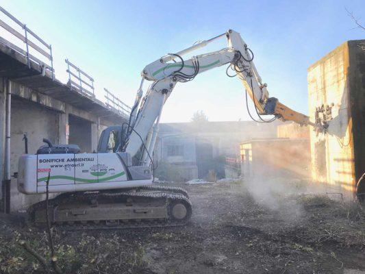 Intervento di demolizione fabbricati industriali area ex Irca - Cesano Maderno - Milano