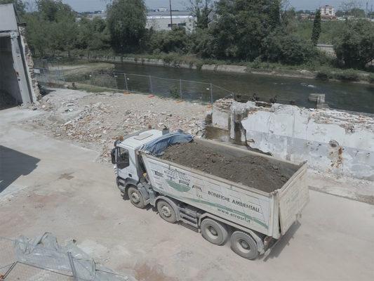 Monitoraggio con drone Canale Villoresi durante le attività di bonifica terreni area industriale ex Tintotex - Parabiago - Milano